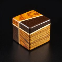 Decorative Boxes : Keepsake Box 1 by Mitercraft -Read More – Woodworking For Kids, Woodworking Projects, Woodworking Basics, Woodworking Clamps, Decorative Objects, Decorative Boxes, Bandsaw Box, Puzzle Box, How To Make Box
