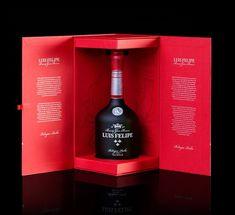 JohnAppleman - Brandy Luis Felipe — World Packaging Design Society / 世界包裝設計社會 / Sociedad Mundial de Diseño de Empaques Wine Design, Bottle Design, Box Design, Brand Design, Luxury Packaging, Bottle Packaging, Design Da Garrafa, Vodka, Bottle Box