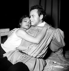 Eartha Kitt and Orson Welles.   Yes, they were lovers.