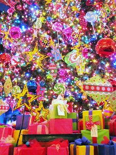 Bright Christmas by Cher12861, via Flickr