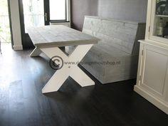 Steigerhout tafel met kruispoot in duo kleur.  Bijpassende zitbank mogelijk.