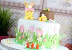 Cette année pour Pâques, Féerie Cake met à l'honneur les lapinous. Après les cake pops lapinous, le gâteau décoré sera sur le thème lapinous également ! C'est quand même eux les stars de la fête non? Bon, ok, y'a … Suite