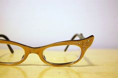 vintage 60's cat-eye frames