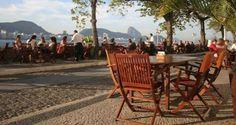 Confeitaria Colombo — Rio de Janeiro, RJ Que tal tomar um café da manhã na Confeitaria Colombo? A confeitaria mais famosa do Brasil oferece um cardápio delicioso e um clima gostoso nas manhãs cariocas. Perfeita para aproveitar com a família e os amigos.