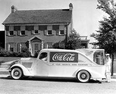 Mid 1930s Coca-Cola fountain truck