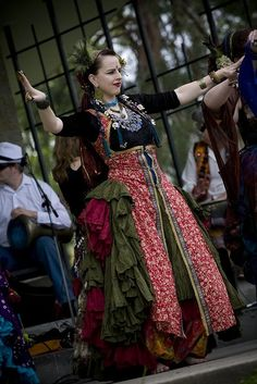 medieval dancing dress - Google-haku
