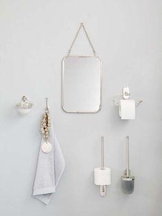 KARWEI | De spiegel heeft een vintage uitstraling waarmee de badkamer een authentieke look krijgt.