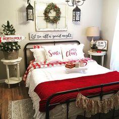 50+ Cozy & Festive Christmas Bedroom Decorations To Keep Up All Holiday Season - Hike n Dip Farmhouse Christmas Decor, Cozy Christmas, Rustic Christmas, White Christmas, Farmhouse Decor, Farmhouse Style, Christmas Ideas, Christmas Crafts, Modern Farmhouse