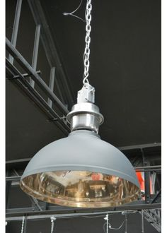 This Suspension industrielle from metal and woods would be mine. I am in the midst of a huge industrial crush.