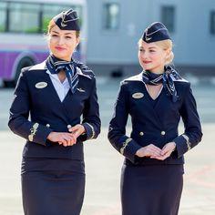 Flight attendant uniforms of Russia's top airlines (PHOTOS) Air Hostess Dress, Air Hostess Uniform, Airline Attendant, Flight Attendant, Vestidos Color Azul, Color Borgoña, Airline Uniforms, Uniform Design, Female Soldier