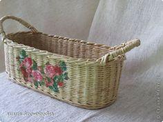 Поделка изделие Плетение соломенный туесок Бумага газетная Трубочки бумажные фото 3