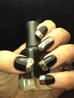 Gucci Baby Gucci Nails Ideas of Gucci Nails Gu - Gucci Nails - Ideas of Gucci Nails natuurlijke look Rhinestone Nails, Bling Nails, Gold Nails, Fancy Nails, Trendy Nails, Cute Nails, Beauty Nail Salon, Gucci Nails, Stripped Nails