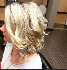 Saaaaturday, Saturday  is the perfect day for a #BeachyBetty @bettysblowdryandbeautybar Fun Beachy Waves Make You Look Great Without Looking Like You Even Tried! #bettys #talent #artists #hairdesigners #fun #blowouts #blowoutbars #lombard #keratintreatments #klixhairextensions #makeup #brows #lashextensions