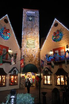 Gatlinburg Tennessee Winterfest, The largest Christmas store and it took us 3 hours to walk around! I love Christmas