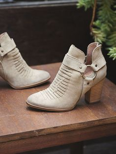 "Seychelles ""Impossible"" bootie 