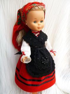 Nancy con el traje de Galicia