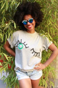 The Top Tee is hand painted with acrylic paint on 100% cotton.   Available in sizes: Small S (4) Medium M (5)  Large L (6)   *The model is wearing a Medium sized tee. *  To wash, turn the shirt inside out wash in cold water and hang to dry. If needed, iron the shirt turned inside out.