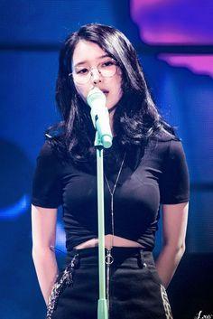 "IU 181110 Debut Anniversary Tour Concert ""dlwlrma"" in Gwangju Kpop Girl Groups, Kpop Girls, Korean Celebrities, Celebs, Asian Woman, Asian Girl, Iu Fashion, Thing 1, Girl Next Door"