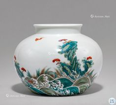#清雍正 #粉彩 #海水江崖 #灵芝鸿福图 尊 Chinese Ceramics, Traditional Paintings, Chinese Antiques, Antique Items, Arts, White Ceramics, Porcelain, Dragon, Blue And White