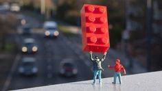 Little People in Paris: 5 Tiny Street Art Scenes by Slinkachu Street Installation, Artistic Installation, Tilt Shift Photography, Types Of Photography, Black Rock Desert, Miniature Photography, Galleries In London, Source Of Inspiration, Street Artists