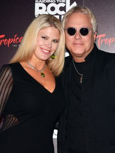 Hugh and Kelli McDonald on the red carpet of opening night of Raiding The Rock Vault at the New Tropicana Hotel and Casino in Las Vegas Kelli_McDonald_Hugh_McDonald_Rock_Vault_Trop_61930.JPG (JPEG Image, 1000 × 1333 pixels) - Scaled (69%)