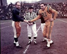 the 1957 Grey Cup coin toss at ol' Varsity Stadium in Toronto Hamilton vs. Football Icon, Football Uniforms, School Football, Sport Football, Sports Teams, Canadian Football League, Grey Cup, Vintage Football, Photo Hosting