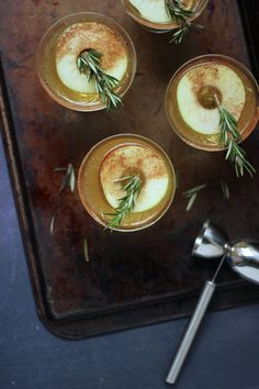Apple Whiskey Sour Recipe - SheEats.ca http://sheeats.ca/2014/11/holiday-cocktail-cinnamon-apple-whiskey-sour/