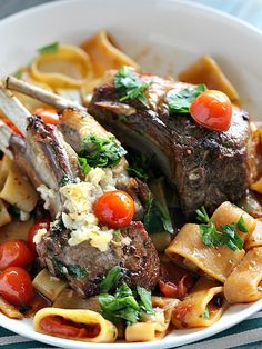 Garlic Lamb Chops in the Oven. Garlic Lamb Chops are topped with juicy Roma Cherry Tomatoes plus parsley and cooked in the oven. Lamb Recipes, Cooking Recipes, Healthy Recipes, Delicious Recipes, Lamb Dishes, Food Dishes, Side Dishes, Easy Dinner Recipes, Easy Meals