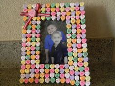 DIY::A Sweet Valentine's Day Frame with conversation hearts.