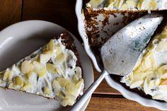 Jadłyście kiedykolwiek ciasto marchewkowe? Jeślitak to jestem pewna, że podbiło Wasze kubki smakowe 🙂 Jeśli nie miałyście jeszcze okazji to gwarantuję, że będzieWam smakować🙂 Zapraszam na marchewkowe-love z płatków owsianych i bez cukru!: ))) Idealne... Vegan Recipes, Vegan Food, Healthy Food, Food And Drink, Cheese, Cake, Anna, Milk, Diet