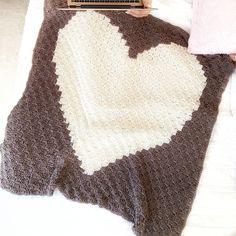 Crochet Blanket Size Chart Printable - EasyCrochet.com Puff Stitch Crochet, Basic Crochet Stitches, Crochet Basics, Crochet Blanket Patterns, Crochet Borders, Beginner Crochet, Baby Patterns, Doll Patterns, Chevron Crochet