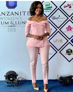 Classy Work Outfits, Classy Dress, Chic Outfits, Fashion Outfits, Business Outfits Women, Corporate Outfits, Corporate Wear, African Wear Dresses, Latest African Fashion Dresses