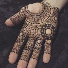 36 Ideas For Tattoo Mandala Men Henna Mehndi Mehndi Designs 2018, Modern Mehndi Designs, Mehndi Design Pictures, Simple Mehndi Designs, Mehndi Designs For Hands, Mehndi Images, Henna Designs For Men, Henna Palm Designs, Mehndi Tattoo