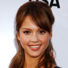 jessica alba 2004 jessica alba transformation hair instyle jessica alba celebrity style and fashion Jessica Alba Makeup, Jessica Alba Hair, Mid Length Hair, 2015 Hairstyles, Pinterest Hair, Hair Pictures, Hairstyles Pictures, True Beauty, Hair Trends