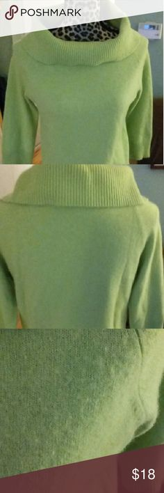 "Valerie Stevens 2 ply cashmere cowl neck sweater Elegant cashmere sweater from Valerie Stevens, featuring dramatic 7"" ribbed cowl neck.   Incredibly soft,  3/4 length sleeves. Ribbing at cuffs, cowl, and waist.   Fine quality, medium weight knit.  Materials:  98% cashmere, 2% other fibers  Size is Medium; however, it appears to run a little small  NOTE: There is some surface ""fuzz"" (see pic #3 for example), nothing that a sweater shaver couldn't fix, but I wanted to state that upfront…"