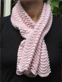 Cashmere scarf in wave point. Supply: - 2 balls of Origin, Ber . Crochet Granny, Crochet Shawl, Crochet Blanket Patterns, Knit Crochet, Irish Crochet, Crochet Headband Free, Scarf Hat, Boyfriend Crafts, Knitted Poncho