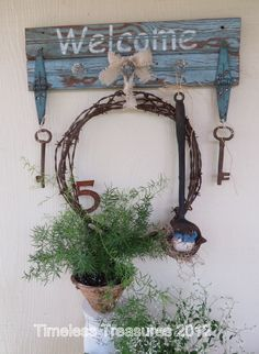Barbed Wire Rusty Junk Welcome Sign Country Crafts, Country Decor, Rustic Crafts, Rustic Art, Rustic Decor, Wire Crafts, Wire Art, Porch Decorating, Barn Wood