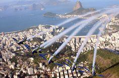 Esquadrilha da Fumaça T-27 Tucanos, #RiodeJaneiro #SmokeAirSquad #AirForce #Brazil #Aviator #Copacabana