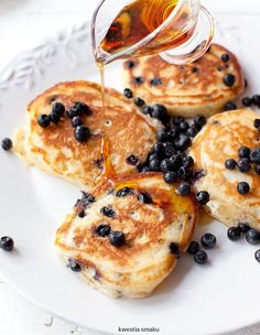 Pancakes for breakfast What's For Breakfast, Breakfast Recipes, Snack Recipes, Dessert Recipes, Tasty, Yummy Food, Polish Recipes, No Bake Treats, Sweet Desserts