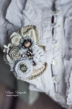 """Ксения Вагнер (busa-yagoda) Брошь ручной работы """"Весенний первоцвет"""""""