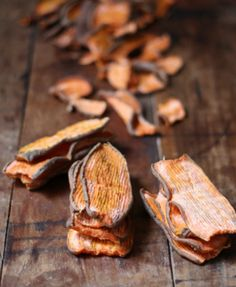 Such a yummy snack people friendly too ;) Homemade dehydrated sweet potato chews! #dogtreats #dogtreatrecipes #sweetpotato