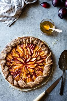 Honey cardamom stone fruit galette gluten-free yum в 2019 г. Sweet Pie, Sweet Tarts, Pie Recipes, Dessert Recipes, Fruit Dessert, Gourmet Desserts, Gourmet Foods, Plated Desserts, Bojon Gourmet