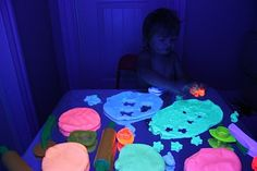 Play At Home Mom LLC: Adventures in the Dark! Glow in the dark play dough Playdough Activities, Craft Activities For Kids, Preschool Crafts, Projects For Kids, Playdough Diy, Science Projects, Crafts To Do, Crafts For Kids, Glow Party