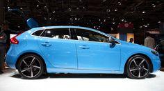 Volvo V40 R-Design in Rebel Blue