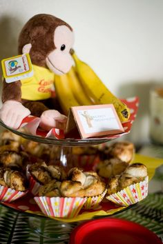 Curious George theme baby shower. Monkey bread mini cupcakes.
