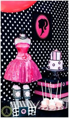 Kendra Y's Birthday / High-Fashion Barbie - Photo Gallery at Catch My Party Barbie Theme Party, Barbie Birthday Party, 6th Birthday Parties, 27th Birthday, Birthday Fun, Bolo Barbie, Barbie Cake, Barbie Boutique, Fashion Show Party