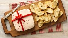 Roast garlic into an irresistibly aromatic spread, then blend with cheese and red bell pepper for a pretty spread. Christmas Entertaining, Christmas Party Food, Christmas Appetizers, Christmas Cooking, Christmas Foods, Xmas Party, Party Time, Cheese Packaging, Holiday Recipes