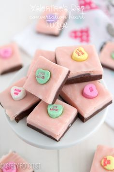 Homemade Valentine's Day Fudge | What a cute Valentine's Day dessert idea! This easy fudge recipe is just so festive, especially with those conversation hearts on top.