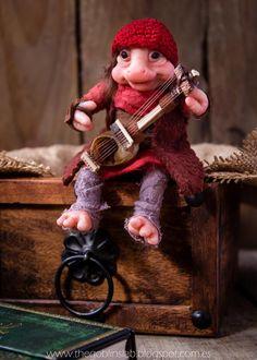 The Goblin´s Lab: OOAK adopta a una mascota fantástica - Tyr el músico Brownie.