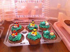 Angry bird's cupcakes